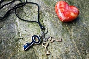 Schlüssel und Herz als Selbstbild-Schlüssel in Christels Scheune Coaching Hanau