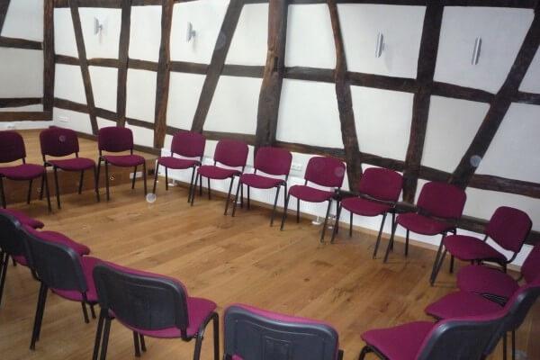Seminarbestuhlung in Christels Scheune Hanau Persönlichkeitstraining Workshops Seminare