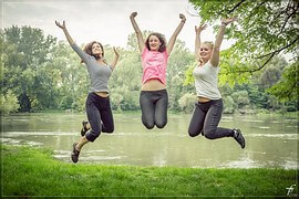 jumping-444613__180