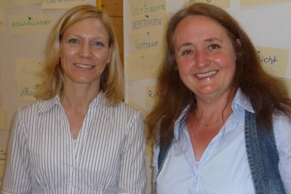 Corinna Heller, Christel Veciana nach pädagogischem Elternabend an der August-Gaul-Schule Hanau