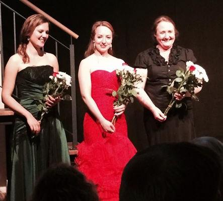 Sophie Wenzel, Katharina Veciana, Christel Veciana nach Konzert in Christels Scheune