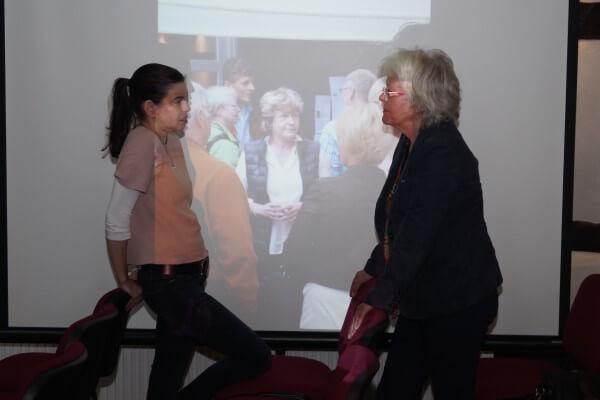 Christel Veciana Coaching Pausengespräch vor Diashow