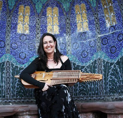 Sue Ferrers mit Nyckelharpa Konzert in Christels Scheune Hanau