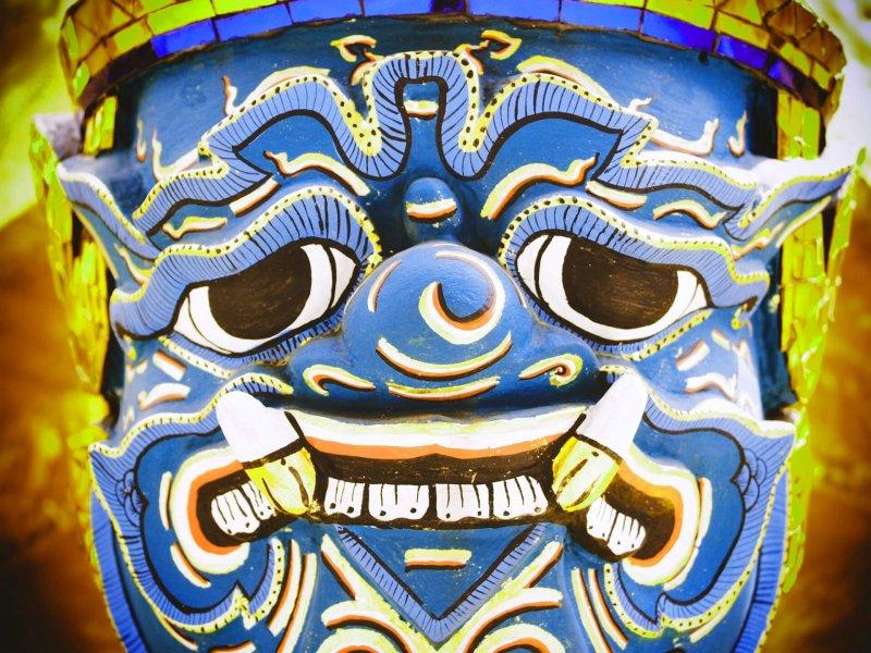 asiatische Maske zum Fürchten Thema Teufelskreis Coaching Hanaun