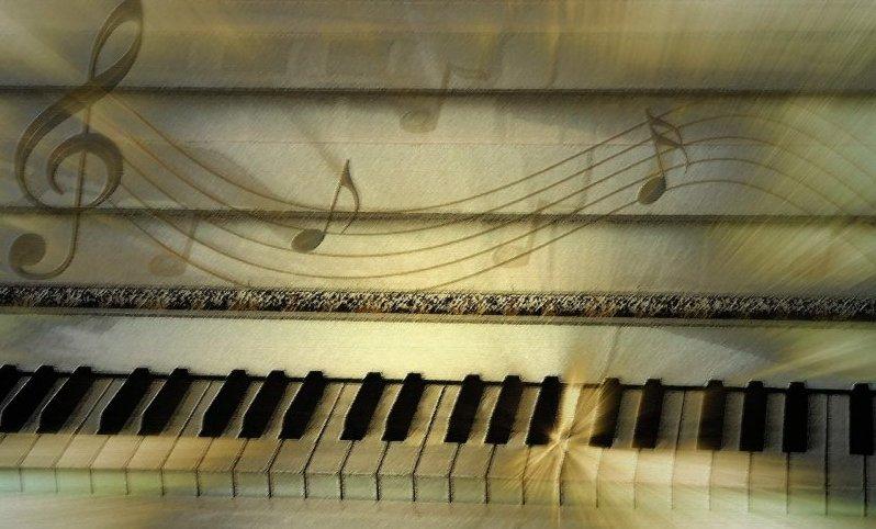 Mystische Klaviertasten für Veranstaltung in Christels Scheune Hanau Coaching und Persönlichkeitsentwicklung