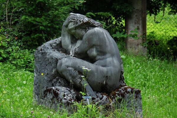 Skulptur Frau zum Blogbeitrag in Christels Scheune Hanau Coaching